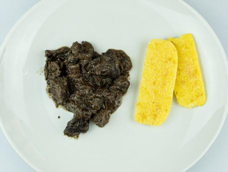 spezzatino-di-cervo-e-polenta